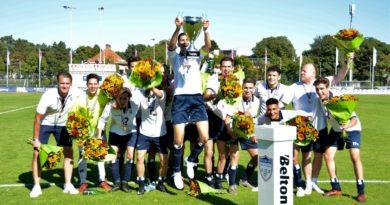 Schoten-Koninklijke-HFC-O23-Voetbal-in-haarlem