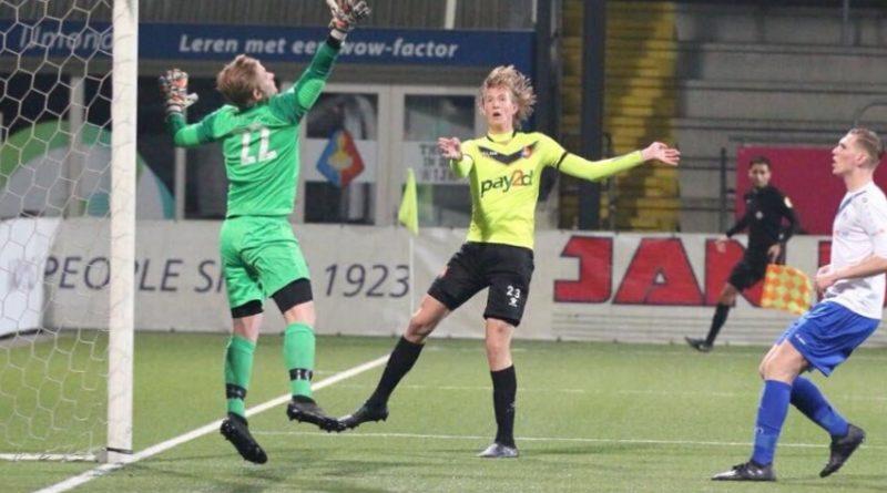 Floris-van-der-Linden-Koninklijke-HFC-Voetbal-in-Haarlem