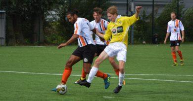 Geel-Wit-HBC-MidWest-Cup-Voetbal-in-Haarlem (27)