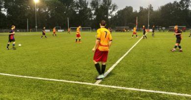 Haarlem-Kennemerland-Zwanenburg-MidWest-Cup-Voetbal-in-Haarlem