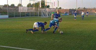 https://voetbalinhaarlem.nl/wp-content/uploads/2018/08/Hoofddorp-Stormvogels-Midwest-Cup-Voetbal-in-Haarlem-2.jpg