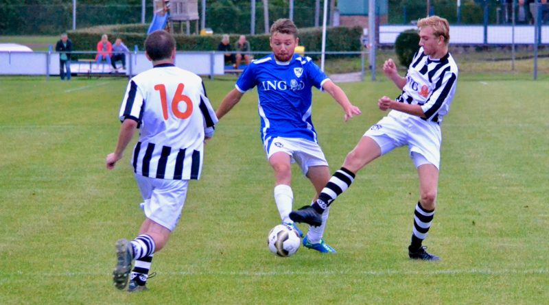 Terrasvogels-Onze-Gezellen-Voetbal-in-Haarlem