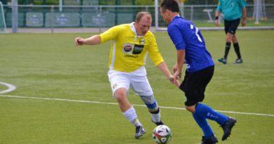 VEW-Geel-Wit-MidWest-Cup-Voetbal-in-Haarlem (14)
