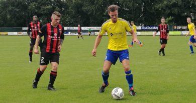 Velsen-EDO-MidWest-Cup-Voetbal-in-Haarlem