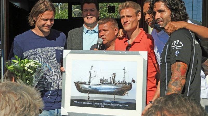 Zilveren-Trawler-Toernooi-Stormvogels-Voetbal-in-Haarlem