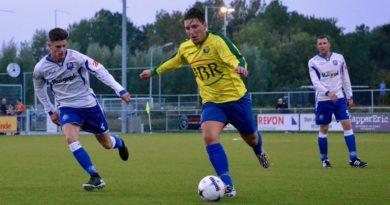 hillegom-zandvoort-midwest-cup-voetbal-in-haarlem