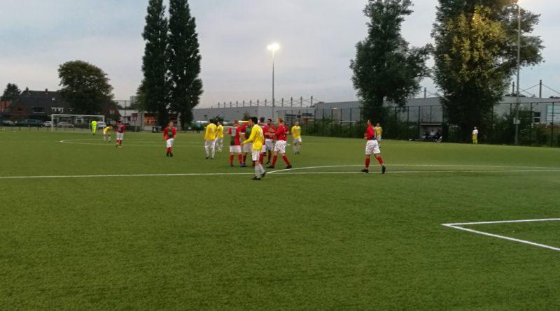 Geel-Wit-DSS-MidWest-Cup-Voetbal-in-Haarlem