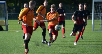 Haarlem-Kennemerland-AC-Amsterdam-Voetbal-in-Haarlem