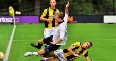 Jong-Vitesse-Koninklijke-HFC-Voetbal-in-Haarlem (6)