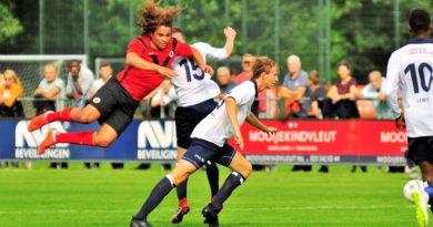Koninklijke-HFC-AFC-Voetbal-in-Haarlem (10)