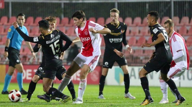 Jong-Ajax-Telstar-Voetbal-in-Haarlem