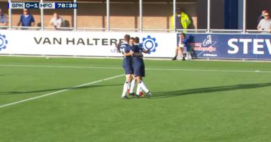 Spakenburg-Koninklijke-HFC-Voetbal-in-Haarlem