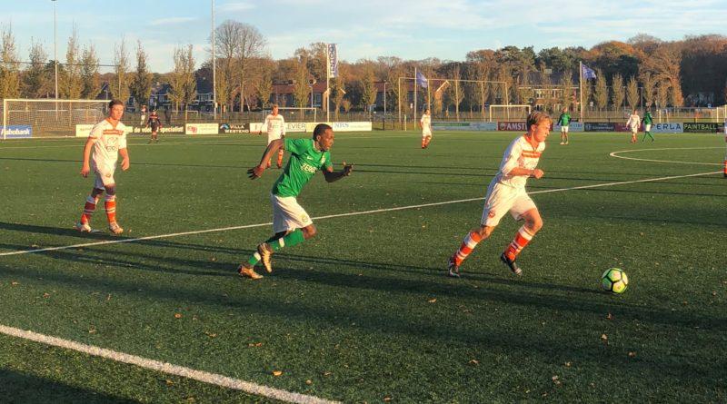 Bloemendaal-Real-Sranang-Voetbal-in-Haarlem