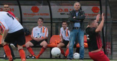 HBC-AC-Amsterdam-Voetbal-in-Haarlem