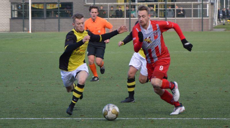 Schoten-de-Zouaven-Voetbal-in-Haarlem (34)