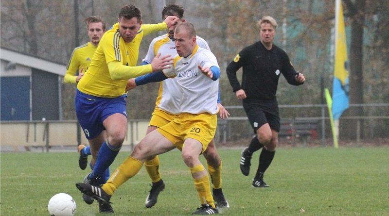 Velsen-Boshuizen-Voetbal-in-Haarlem