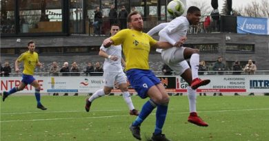 Zeeburgia-Velsen-Voetbal-in-Haarlem