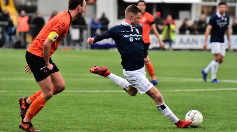 Katwijk-Koninklijke-HFC-Voetbal-in-Haarlem (7)