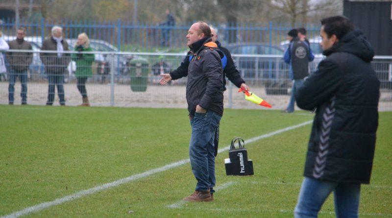 Spaarnwoude-Geel-Wit-Voetbal-in-Haarlem (23)