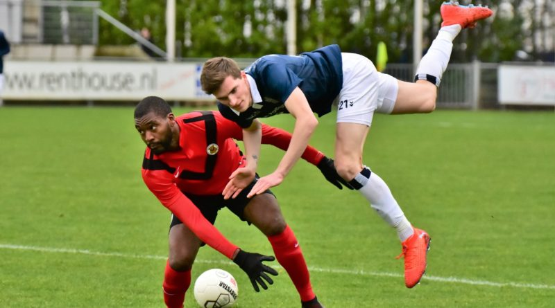 AFC-Koninklijke-HFC-Voetbal-in-Haarlem (13)