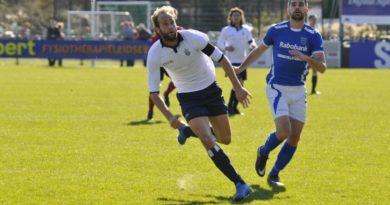 Beeren-Koninklijke-HFC-Voetbal-in-Haarlem