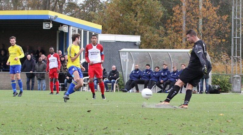Van-der-Giezen-Voetbal-in-Haarlem