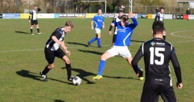 Stormvogels-IJmuiden-Voetbal-in-Haarlem