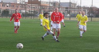 geel-wit-vsv-voetbal-in-haarlem