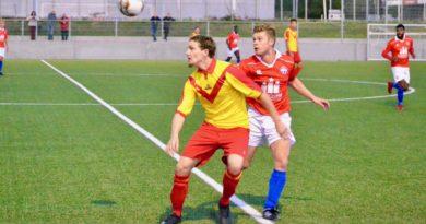 hoofddorp-van-nispen-midwest-cup-voetbal-in-haarlem