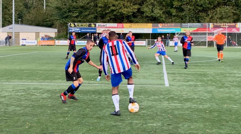 vvh-zwanenburg-zondag-derde-klasse-a-voetbal-in-haarlem 2