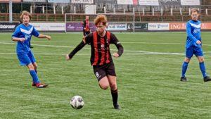 edo-jong-holland-voetbal-in-haarlem