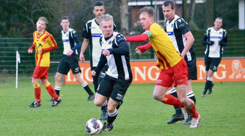 ijmuiden-dsk-voetbal-in-haarlem-o23-Cup