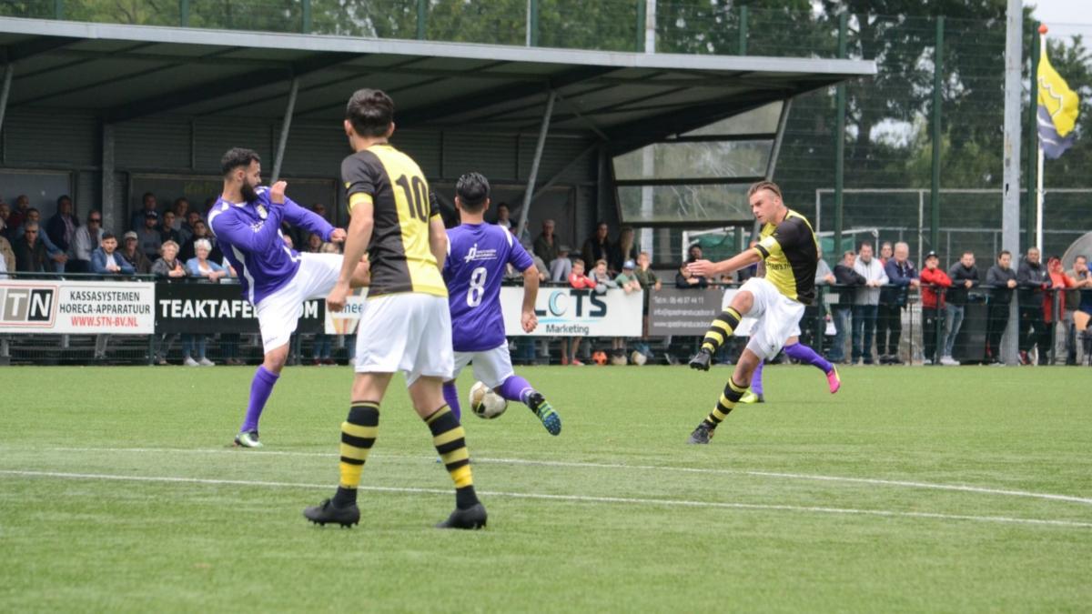 Schoten-APWC-Voetbal-in-Haarlem (1)